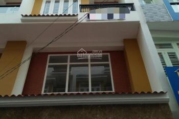 Nhà Quốc Lộ 13 khu dân cư đẹp, gần khu đô Thị Vạn Phúc, DT 4m*15m, xây 3.5 lầu, có sân ô tô, 4PN