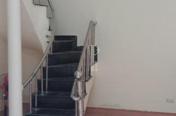 Bán nhà 2 tầng 42m2, sổ đỏ chính chủ, ở Tả Thanh Oai