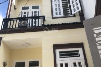 Cho thuê căn nhà biệt thự mi ni, P. Đông Hưng Thuận, Q12 DT: 6,5m x 15m, 2 lầu = 12,5tr/ tháng