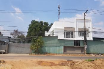 Cho thuê nhà đất 1000m2 có văn phòng kho bãi đỗ xe mặt tiền đường nhựa 28m