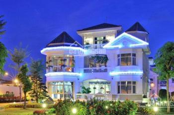 Cần bán căn góc 2 mặt tiền biệt thự Chateau PMH Q7, DT 770m2 bán 145 tỷ. LH 0916.59.2244 em Hoa