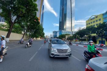 Cần bán nhà mặt phố hot Liễu Giai - quận Ba Đình, gần ngã tư đèn xanh đỏ