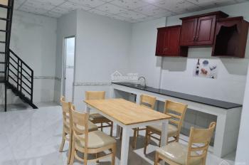Bán nhà lầu hẻm 388 đường Nguyễn Văn Cừ, nhà mới đẹp dọn vào ở ngay, xe oto đến nhà, vị trí đẹp, gi