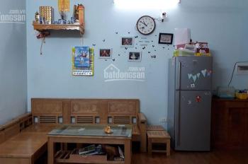Gia đình mình đang có căn 2 ngủ, dt 53.5m2 tại tòa CT12C KVKL đã có nội thất/LH: Ninh 0342826198