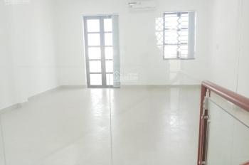 Văn phòng cho thuê tại mặt tiền Phan Văn Trị, 6.5tr/th, LH: 0907077565