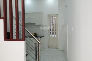 Cho thuê nhà nguyên căn 1 trệt 2 lầu, 3 PN, 2WC giá 5tr/th. LH 0983830909