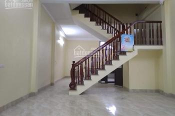 Bán nhà mới 3,5 tầng, thôn 1 Đông Mỹ, DT đất 100m2, giá 2,95 tỷ. LH 0979862368