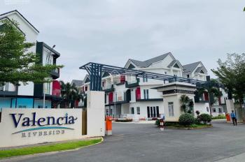 Kẹt tiền cần bán gấp nhà mới xây mặt tiền ven sông Phú Hữu, Quận 9, 200m2, 4,1 tỷ, LH: 0941878448