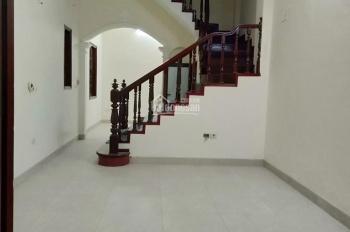 Cho thuê nhà riêng đường Nguyễn Tuân, Thanh Xuân, 05 điều hòa, DT: 50m2 x 4 tầng, 17 tr/tháng