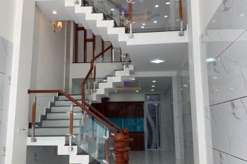 Cần bán nhà 1 trệt 1 lửng 3 lầu , 5PN , 5WC , có bancol riêng , nhà mặt tiền Hưng Phú , DT 4x16m