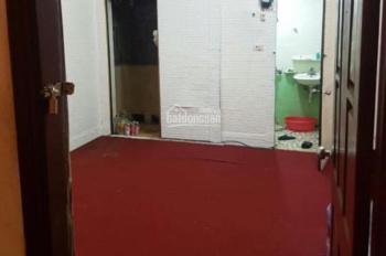 Cho thuê phòng tầng 2 và tầng 4 số 1 Vương Thừa Vũ, giá chỉ 2.6 triệu/tháng