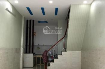 Cho thuê nhà 811/27 Lũy Bán Bích, P Tân Thành 4x10m, 1 trệt, 1 lầu nhà đẹp 9 triệu/tháng