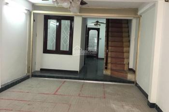 Làm ăn thua lỗ cần bán gấp nhà sát mặt tiền Vĩnh Viễn, Q10, DT: 4 x 11m, 2 lầu, giá chỉ 100tr/m2
