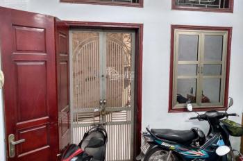 Chính chủ bán nhà DT 40m2 * 4T tại phố Lương Định Của, Phương Mai, Đống Đa, 4 phòng ngủ, giá 4,1 tỷ