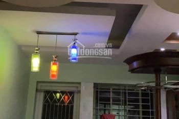 Cho thuê căn hộ 3 PN khu đô thị Việt Hưng Long Biên. LH: 0983957300