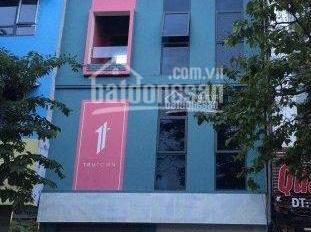 Cho thuê nhà mặt phố Quan Hoa, Cầu Giấy. DT 70m2, 5 tầng, mặt tiền 7m, thông sàn, giá 32tr/th