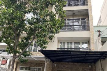 Cho thuê nhà nguyên căn Trần Phú, Quận 5, DT 9x33m, 1 trệt, 4 lầu ST, LH 0939223160 gặp Toàn