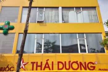 Cho thuê nhà MP 45 Thái Hà, diện tích 70m2 x 3T MT 12m giá 70tr/th thang máy, KD mọi mô hình
