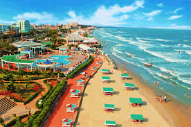 Bán đất xây khách sạn đường Phó Đức Chính, gần biển s=10x30m, giá 32.5 tỷ có TL