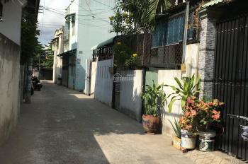 Bán nhà 1 lầu, đường thông, giá 2,8 tỷ, p. Bình Trưng Đông, quận 2. LH: 0902126677