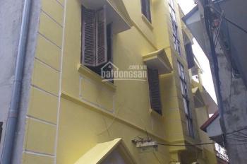 Cho thuê nhà mặt ngõ 156 Dương Văn Bé, đường rộng 6m, 2 xe tránh thoải mái