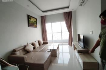 Cho thuê căn hộ Q10 loại 2PN, 2WC, full nội thất xách vali vào ở, căn góc, có ban công 18tr bao PQL