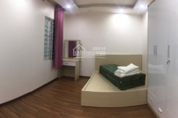 Cho thuê căn hộ mini phố Lý Nam Đế 50m2, giá 8tr/th, 2 phòng ngủ
