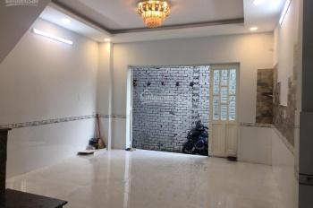 Bán căn nhà hẻm 1 sẹc đường Thạnh Lộc 19, cách chợ Cầu Đồng 200m (4.5m x 10m sàn 81m2)