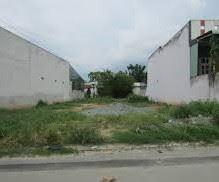 Bán lại lô đất 120m2 đường Trần Văn Chẩm, huyện Củ Chi, giá 880tr sổ hồng riêng