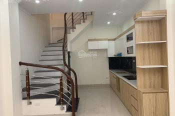 Bán nhà xây mới gần đường lớn tại ngõ 264 Ngọc Thuỵ - Long Biên 30m2x5 tầng, giá 2,5 tỉ có TL