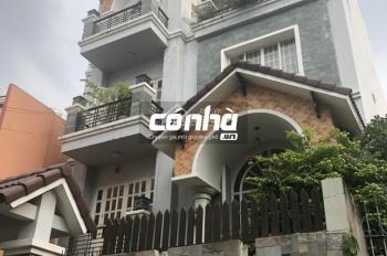 Cho thuê nhà khu đệ nhất khách sạn, phường 5, Tân Bình. DT 10x24m, nhà biệt thự, sân vườn - Có Nhà