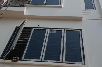 Chính chủ bán nhà mới An Dương Vương, Phú Thượng, 35m2, 5 tầng, 2 mặt thoáng, cách phố 5m, 2.75 tỷ