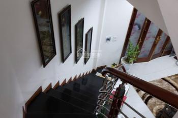 Chính chủ bán gấp nhà đẹp - Phố Ngọc Thuỵ, ngõ rộng, DT 40, 5 T, MT4m, giá 2.45 Tỷ. ĐT: 0903245542