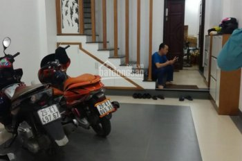 Bán nhà 5 tầng, 1 tum, cầu thang máy, ngõ 373 Phú Thượng, Tây Hồ, Hà Nội. DT 60m2, giá 5,3 tỷ
