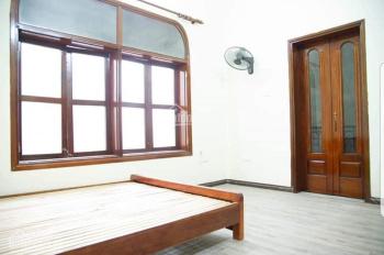 Cho thuê nhà riêng ngõ phố Hòe Nhai, Ba Đình, dt 55m2 x 2,5t, mt 5m, 8tr, phù hợp ở hộ gia đình