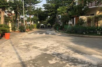 Cho thuê biệt thự trong khu Khang Điền 1 trệt 2 lầu 6 phòng ngủ giá 20tr/tháng, DT 8x24m