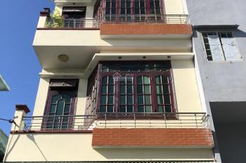 Cần bán nhà 3 tầng còn mới đường Núi Thành. LH: 0899959545