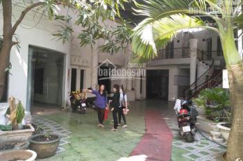 Chính chủ cho thuê mặt bằng làm nhà hàng tiệc cưới, trường học đối diện Đầm Sen, LH: 0932771718