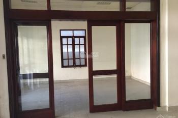Cho thuê mặt bằng Trần Quang Khải, Quận 1. DT 4.5x20m. Giá 50tr/th