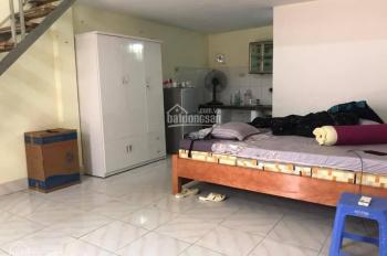 Chính chủ bán căn nhà c4 đẹp long lanh chỉ việc về ở giá rẻ nhất khu vực 31m2 950tr, LH 0967203836