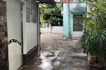 Nhà 1 trệt 1 gác gần suốt,2 phòng ngủ tọa lạc tại hẻm 1041 Trần Xuân Soạn, P.Tân Hưng, Q.7
