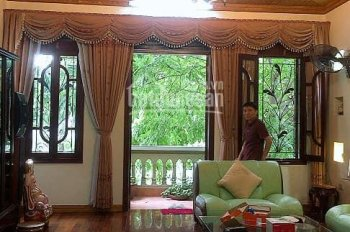 Nhà đẹp mặt ngõ Hào Nam, ngay ngã tư Cát Linh, 70m2, kinh doanh, phân lô, 10.8 tỷ