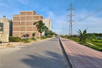 Bán lô đất mặt đường đôi KĐT Damsan gần lô góc rẻ hơn nhiều so với các lô bên cạnh. LH 0965149666