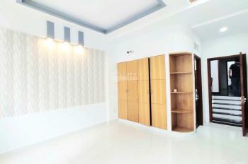 Cho thuê nhà mới HXH Trần Hưng Đạo, Quận 1, gần vòng xoay Chợ Bến Thành