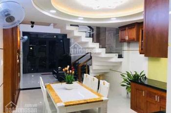 Cô 3 cần bán căn nhà gần chợ Xuân Thới Thượng để chia tài sản cho con, nhà đẹp 90m2, 4PN - 4WC