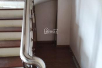 Chính chủ bán gấp CHCC Duplex phố Trần Vĩ 145m2 full đồ giá 2,85 tỷ. LH 0388428982