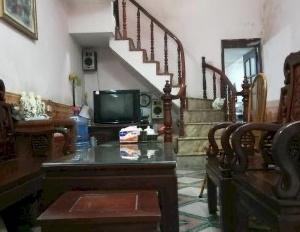 Nhà riêng cho thuê 4.5 tr - Cty May 10 - Sài Đồng