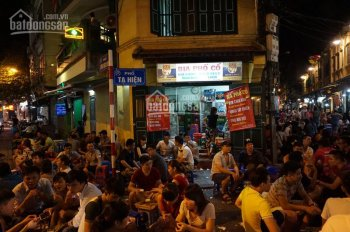 Cho thuê nhà ngã tư thế giới 25 Tạ Hiện, Hoàn Kiếm, Hà Nội