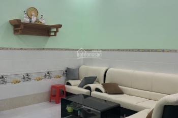 Cần bán nhà mới xây dựng đường nhựa 24m KDC Tân Đức Long An 5x25m - giá bán: 2tỷ6 - 0905559396