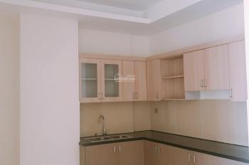 Cho thuê căn hộ 135m2, 3PN, 3WC, giá 9 tr/tháng. LH 0909910694